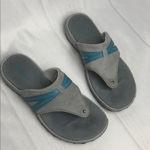 New Columbia blue and gray sandals / flip flops
